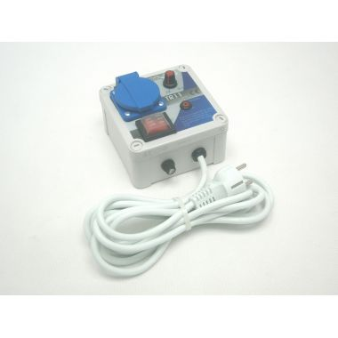 Regulátor napětí plynulý 900W (na povrch) TR11